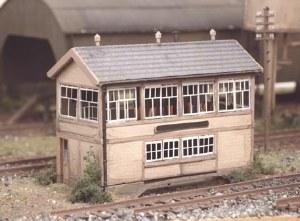 Ratio N 223 GWR Wooden Signal Box including interior