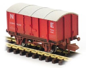 Dapol N 2F-013-056 Gunpowder Van NE 71422 Weathered
