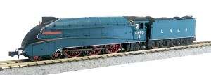 Dapol N 2S-008-009 A4 Valanced 4490 Empire of India LNER Garter Blue