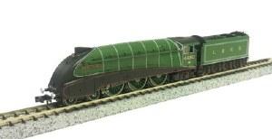Dapol N 2S-008-010 A4 Valanced 4482 Golden Eagle LNER Green