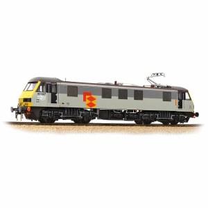 Bachmann OO 32-611 Class 90 90037 Railfreight Distribution