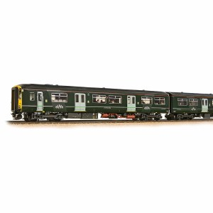 Bachmann OO 32-940 Class 150/2 150232 GWR with Passenger Figures