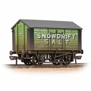 Bachmann OO 33-182A 10T Covered Salt Wagon 'Snowdrift Salt' Green - Weathered