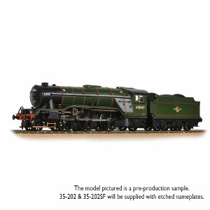 Bachmann OO 35-202 LNER V2 60847 'St Peter's School' BR Lined Green Late Crest