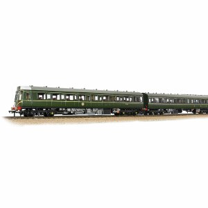 Bachmann OO 35-500 Class 117 3 Car DMU BR Green with Speed Whiskers