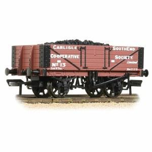 Bachmann OO 37-073 5 Plank Wagon Wooden Floor Carlisle Co-Op - with Wagon Load