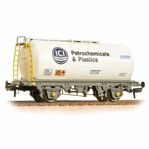 Bachmann OO 37-578B 45 Ton TTA Tank Wagon 'ICI Petrochemicals & Plastics'