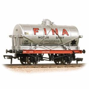 Bachmann OO 37-680B 14 Ton Tank Wagon 'Fina' Silver