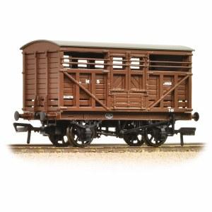Bachmann OO 37-708A 12 Ton LMS Cattle Wagon LMS Brown