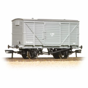 Bachmann OO 37-803B 12 Ton Planked Ventilated Van LMS Grey