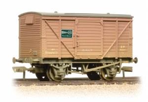 Bachmann OO 37-805 12 Ton Van BR Bauxite 'ICI Fertiliser' - Weathered