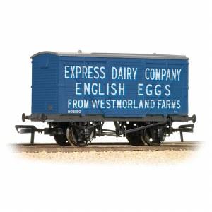 Bachmann OO 37-807 12 Ton Planked Ventilated Van 'Westmoreland Eggs'