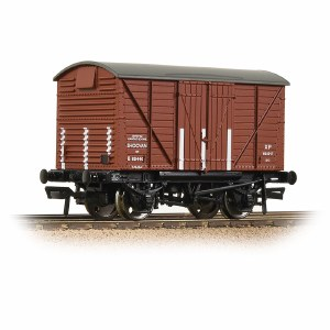 Bachmann OO 37-903B BR 12T Shock Van Corrugated Ends BR Bauxite (Early)