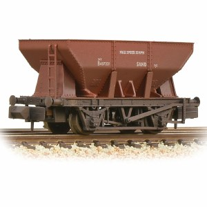 Graham Farish N 373-216A 24T Iron Ore Hopper BR Bauxite (Early) - Weathered