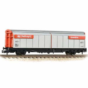 Graham Farish N 373-601D BR VGA Van BR Railfreight Red (Speedlink)