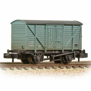 Graham Farish N 373-727B BR 10T Insulated Van BR Ice Blue - Weathered