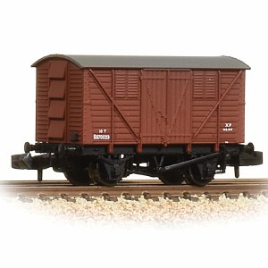 Graham Farish N 373-741A 10 Ton BR Meat Van BR Early Bauxite