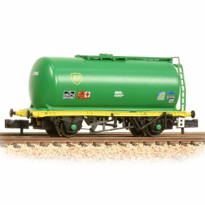 Graham Farish N 373-775C 45 Tonne glw TTA Tank Wagon 'BP' Green