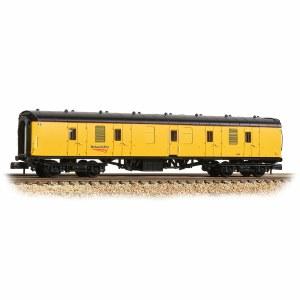 Graham Farish N 374-040A BR Mk1 BG Brake Gangwayed Generator Van Network Rail Yellow