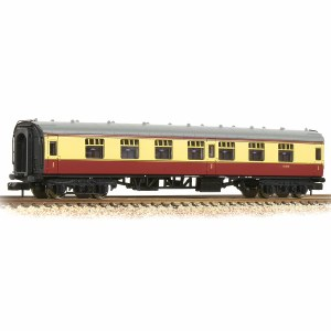 Graham Farish N 374-160A BR Mk1 FK First Corridor BR Crimson & Cream
