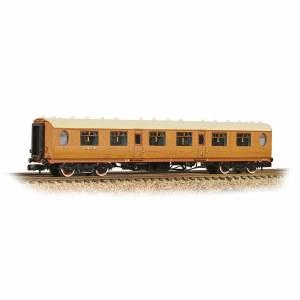 Graham Farish N 376-200 Thompson 1st Class Corridor LNER Teak