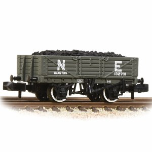 Graham Farish N 377-062 5 Plank Wooden Floor Wagon NE - with Wagon Load