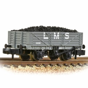 Graham Farish N 377-064 5 Plank Wagon Wooden Floor LMS with Load