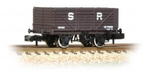 Graham Farish N 377-089 7 Plank Fixed End Wagon SR Brown