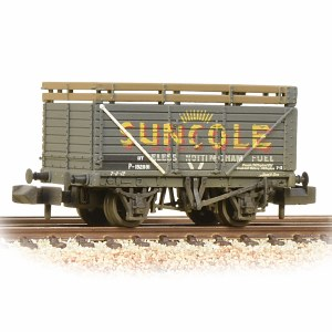 Graham Farish N 377-206A 8 Plank Wagon with Coke Rails Suncole (P Number) Weathered