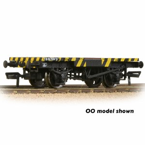 Graham Farish N 377-343 BR Ex-Conflat Runner Wagon BR Yellow & Black Wasp Stripes