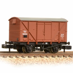 Graham Farish N 377-625B 12 Ton BR Plywood Fruit Van BR Bauxite (Early)