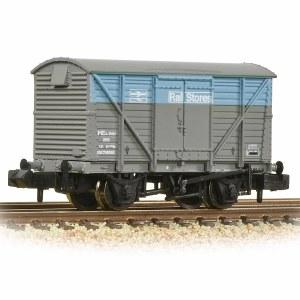 Graham Farish N 377-629 BR 12T Ventilated Van Plywood Doors BR Departmental Rail Stores