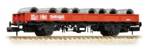 Graham Farish N 377-725A SPA Wagon with Steel Coils Railfreight Red