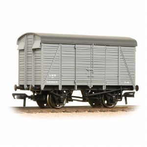 Bachmann OO 38-080C 12 Ton Southern 2+2 Planked Ventilated Van LMS Grey
