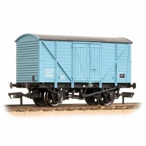 Bachmann OO 38-190B 10 Ton BR Insulated Van Light Blue