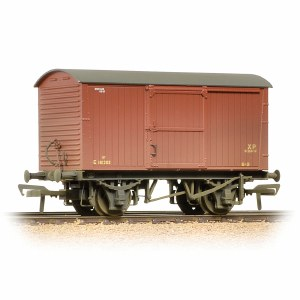 Bachmann OO 38-477 12 Ton Non-ventilated Van BR Bauxite (Early) Weathered
