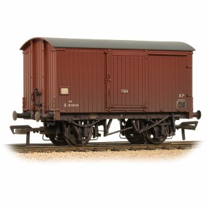 Bachmann OO 38-578 12 Ton Fish Van BR Bauxite (Late) Weathered