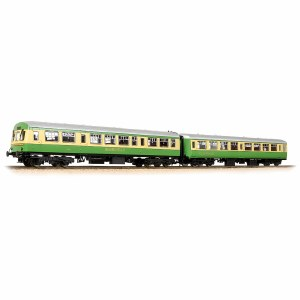 Bachmann OO 39-005 BR Mk2A TSO 'Clan Fraser' & Class 101 DTCL 'Hebridean' 'Highlander' Coach Pack Green & Cream  '5154' & '6300' includes Fitted Passengers
