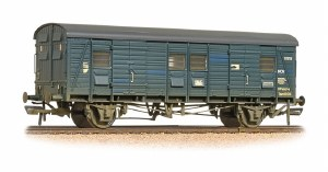 Bachmann OO 39-528A CCT Covered Carriage Truck BR Blue  - Weathered