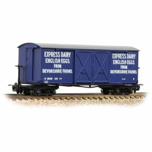 Bachmann Narrow Gauge OO9 393-029 Bogie Covered Goods Wagon 'Express Dairy Company' Blue