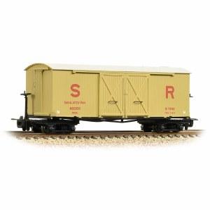 Bachmann Narrow Gauge OO9 393-030 Bogie Covered Goods Wagon SR Insulated