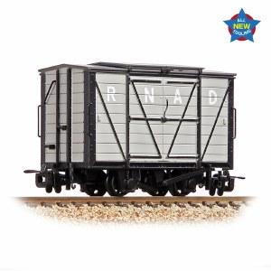Bachmann Narrow Gauge OO9 393-125 RNAD Van RNAD Grey