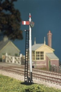 Ratio OO 467 GWR Round Post 2 Single Post Signals