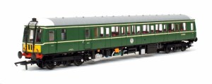 Dapol OO 4D-015-009 Class 122 BR Green 55006 with Yellow Panels