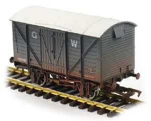 Dapol OO 4F-012-022 Ventilated Van GWR 123550 Weathered