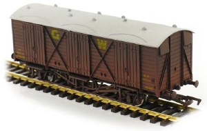 Dapol OO 4F-014-024 Fruit D GWR 2850 Weathered