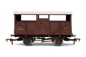 Dapol OO 4F-020-032 Cattle Wagon BR B893324 Weathered