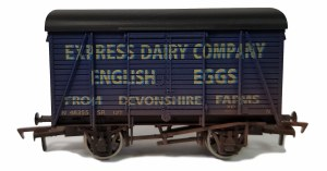 Dapol OO 4F-021-103 Box Van Devonshire Eggs 48355 Weathered
