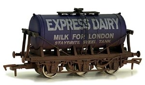 Dapol OO 4F-031-018 6 Wheel Milk Tanker Express Dairy 'E' Weathered