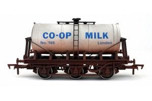Dapol OO 4F-031-030 6 Wheel Milk Tank Co-op 165 Weathered